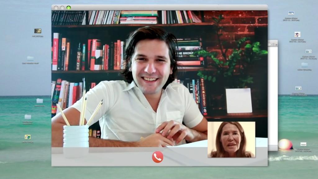 初めてのひとり暮らし、だらしない生活を送っている青年がママからのテレビ電話で「リア充」アピールするナイスアイディアな方法wwwwwwwww