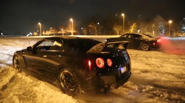GT-Rの馬力が良くわかる!雪上で走りまくってみた!!