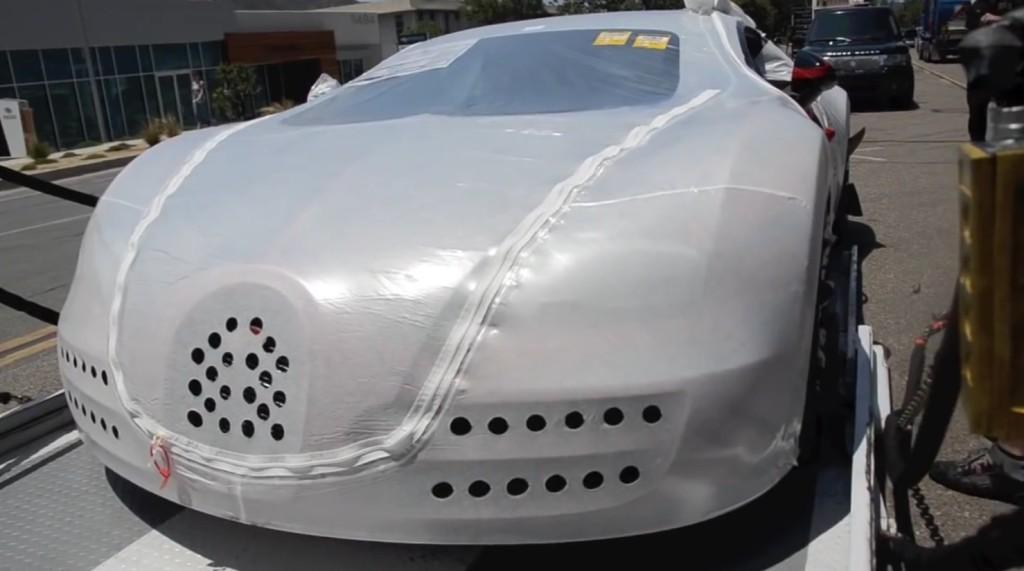 超高級車ブガッティ・ヴェイロンの納車風景がスゴイ!!