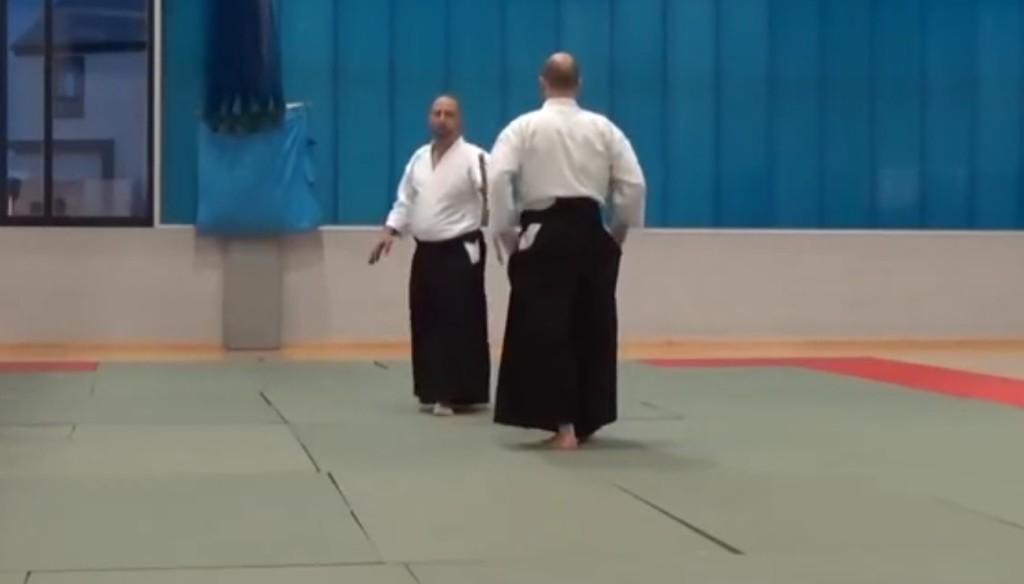合気道師範による「日本刀を持った相手に対応する方法」が最強すぎる!!