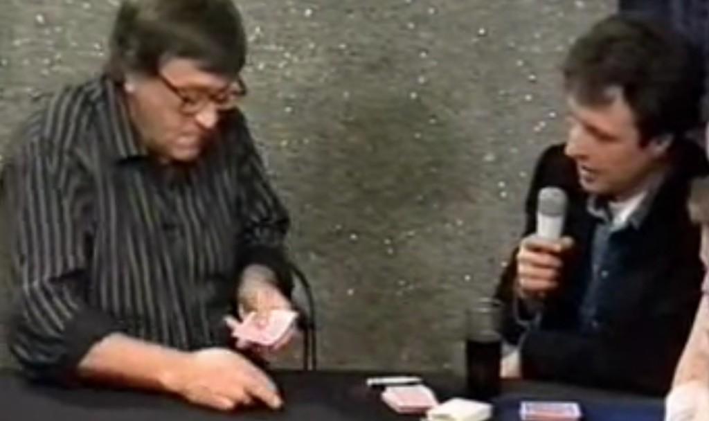 【神技】配るそばから次々カードが消失!カードマジックの大御所が披露するマジックが凄すぎてタネが全然わからない!!