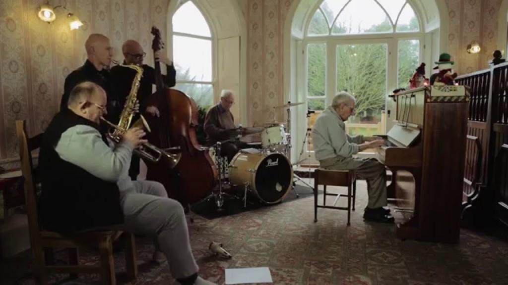 【感動】95歳の認知症おじいさんがバンドメンバーを募った結果、まさかの展開に!!