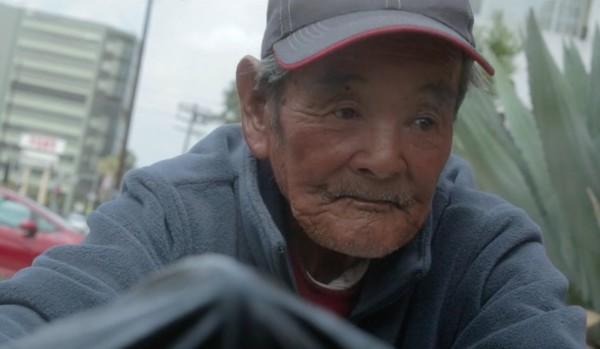 ロサンゼルスに住む87歳の日本人ホームレス。今、アメリカの心ある人々によって救い出されようとしている。