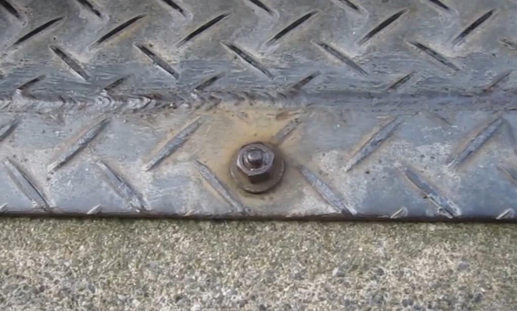 サビで固まったボルトを簡単に外す方法!!