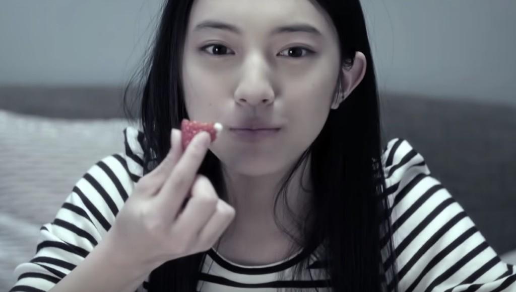 話題のあのCMにも出演中の美少女。彼女の最新作の結末に胸が痛くなる。