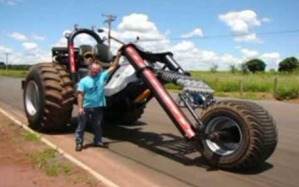 ブラジルの農家が作った世界最大の「三輪車」が凄い!!