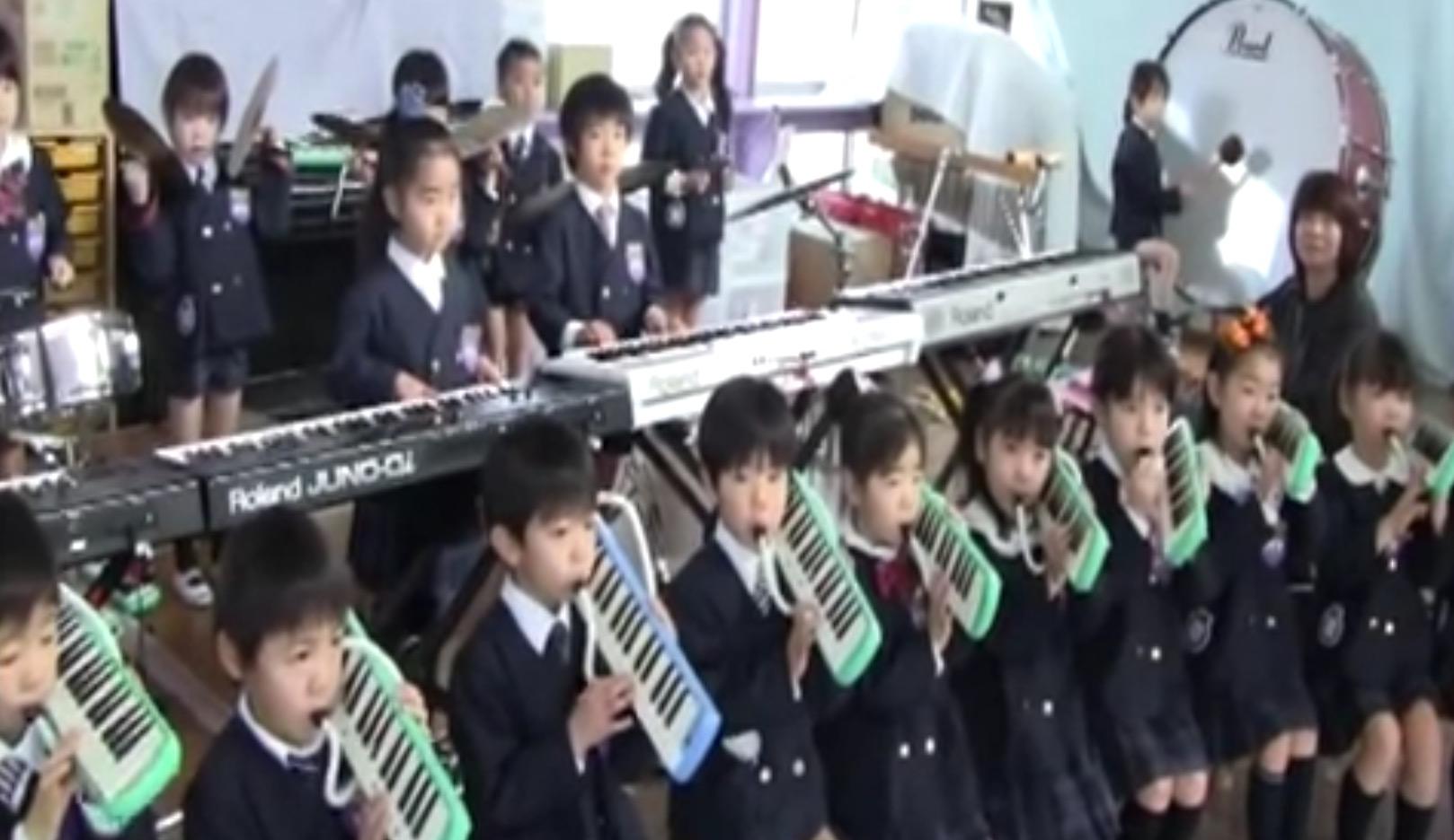 幼稚園児によるオーケストラ演奏のクオリティが凄い!しかし、賛否両論のコメントが、、