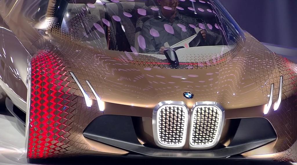 BMWが100周年を記念して公開した自動運転カーが未来すぎてヤバい!!