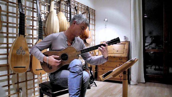 世界に一本「ストラディバリウス(1679年製)」のギターの美しい音色にうっとり!