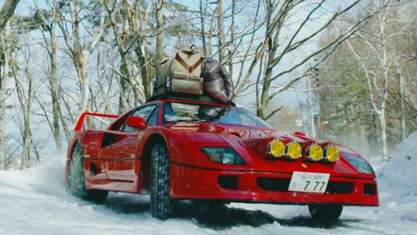 すげぇ!ラリー仕様の「フェラーリF40」で竜王スキーパークのゲレンデを爆走!!!