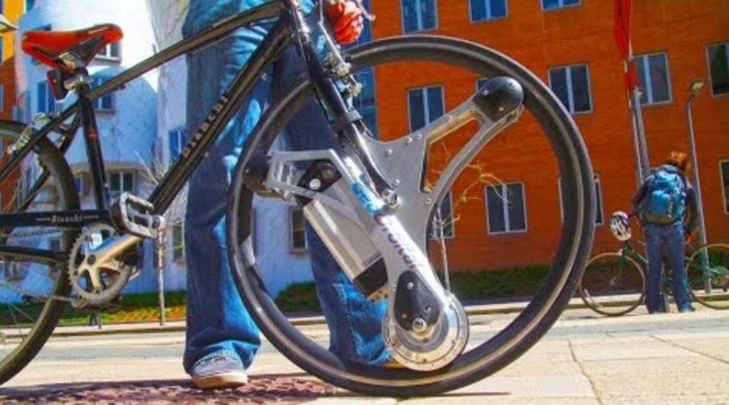取り付けるだけで電動自転車になるホイールが凄い!工具不要で60秒で取り付け完了!!