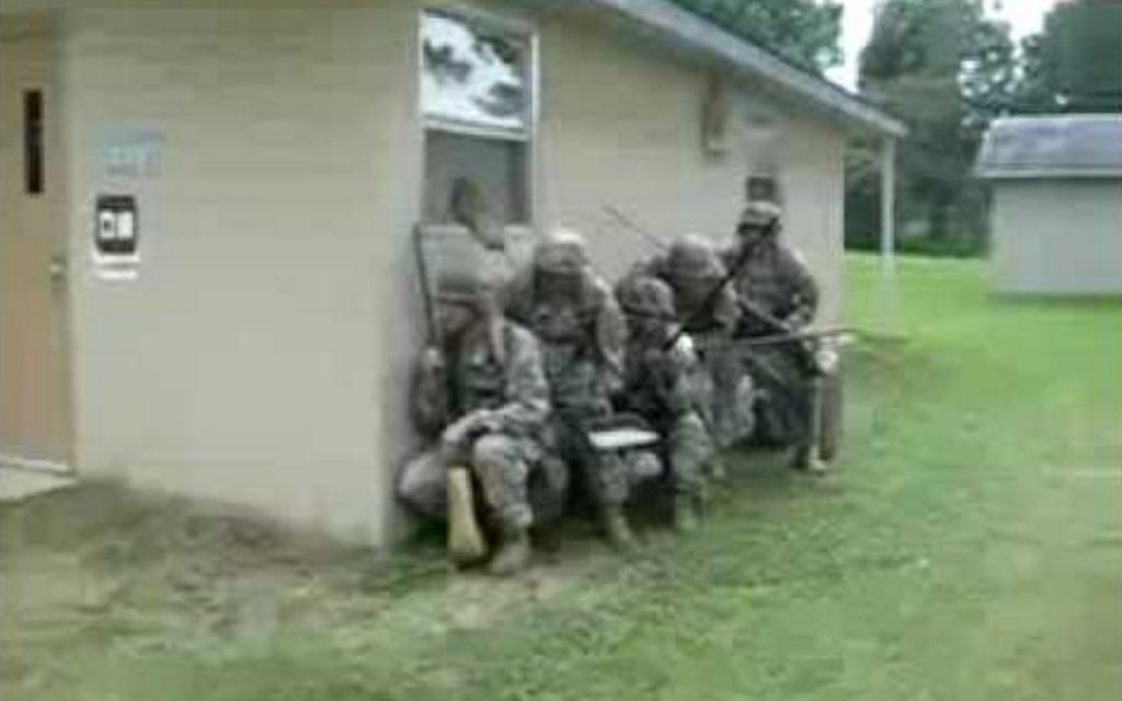 【最強のおふざけ】米軍が本気でお掃除してみたwwwwwwwww