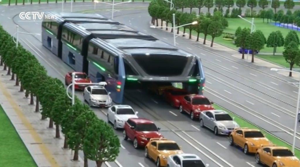 渋滞中でもスイスイ!1200人を輸送できる未来の公共バスが発表される!!