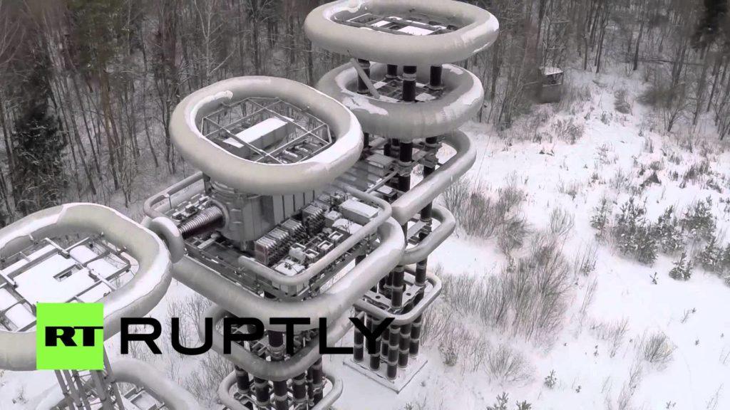 未来感がスゴい!旧ソ連の巨大実験施設「テスラタワー」を空撮!【実際の稼働映像あり】