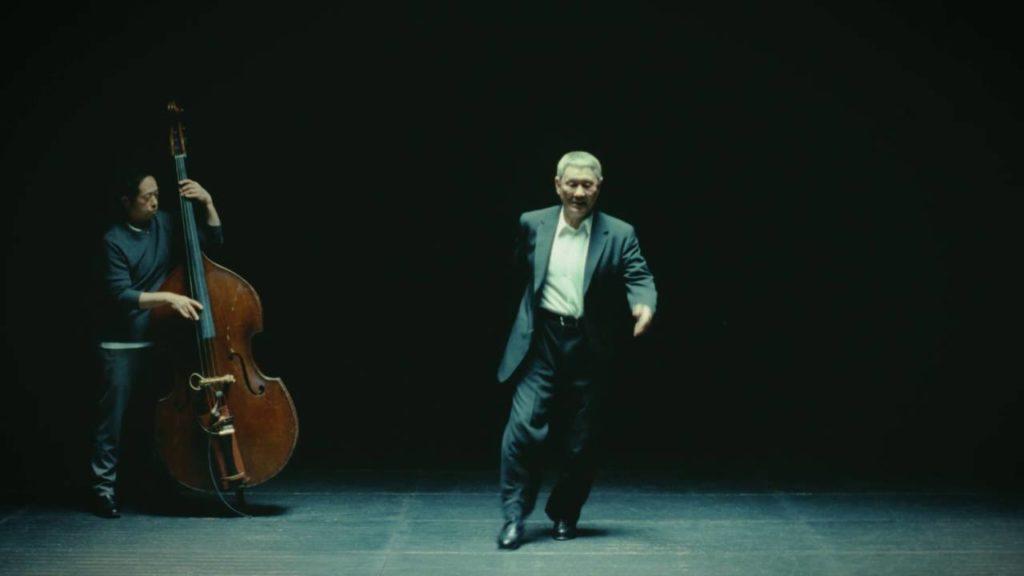 ビートたけしさんが、CMでかっこいいタップダンスを披露!69歳とは思えないキレのある音!!