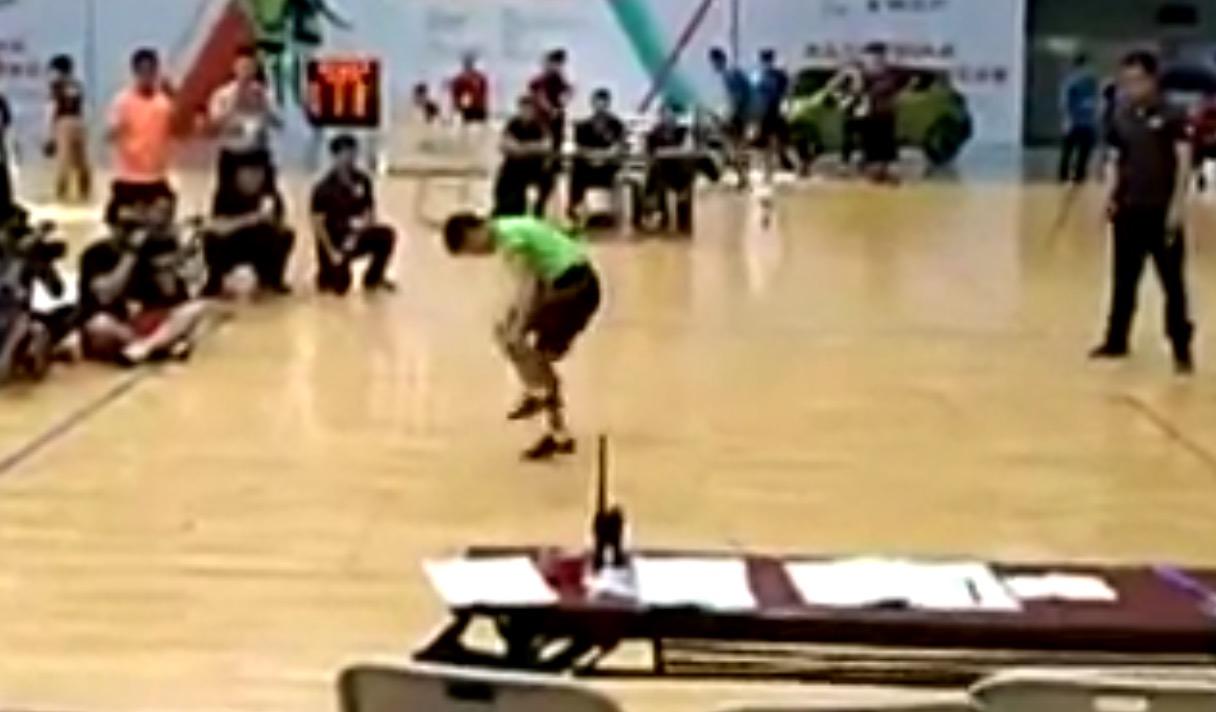30秒で222回!12歳の少年が「なわとび」の世界最速記録を達成!!