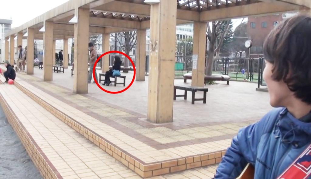 公園でカップルのケンカが勃発!残された彼女が信じられない行動にwwwwwww