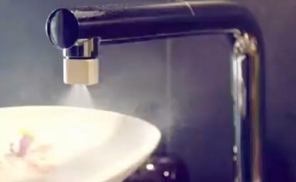 蛇口に取り付けるだけで98%も節水できる「Altered:Nozzle」