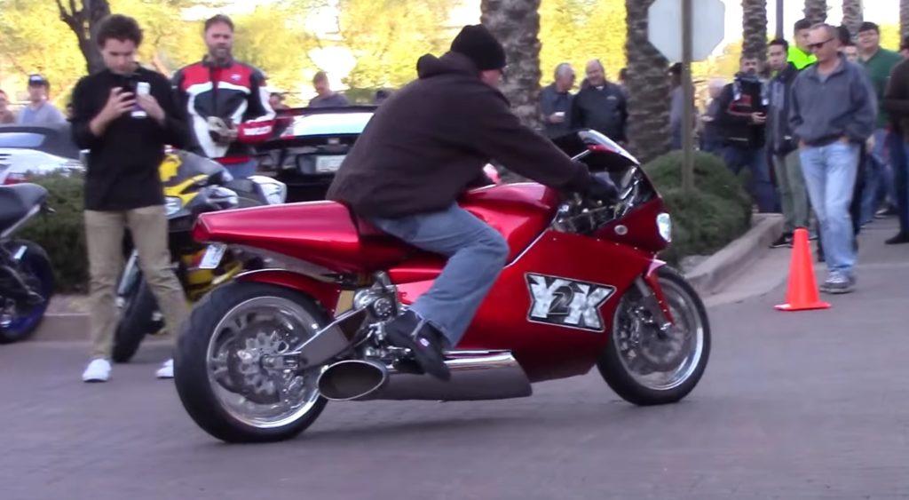 「キュィィィン!」最高時速402km!ヘリ用タービンエンジン搭載バイクの音がジェット機にしか聞こえない!カッコよすぎてチビりそう^ ^;