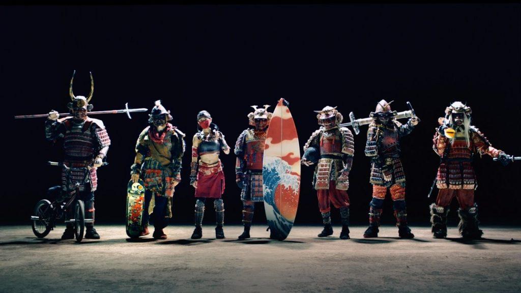 100万回再生突破!7人の「サムライ」が世界中で超絶パフォーマンス!中身は世界レベルのスーパープレーヤー達?!