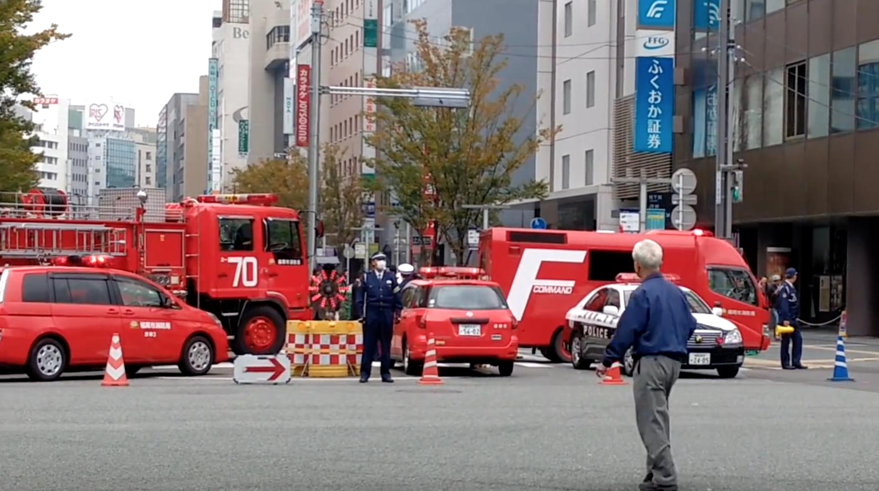 【神対応】博多陥没事故、犠牲者ゼロだったその理由に賞賛の嵐!自主的交通規制のわずか5分後に穴!?