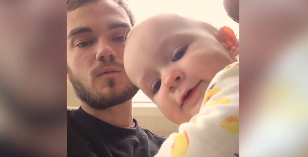 【キュン死】赤ちゃんと叔父さんのボイパバトルが可愛すぎる!!