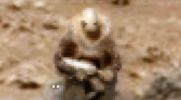 NASAが撮影した火星の写真に「兵士」らしきモノが!太古に宇宙戦争があった?!