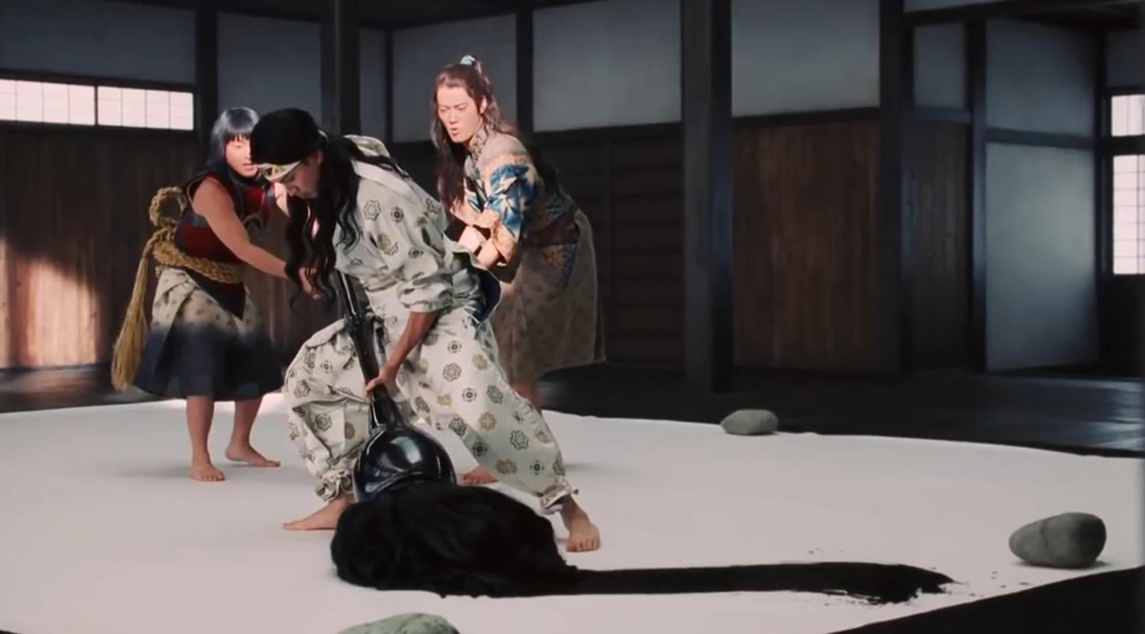 【au三太郎】ミュージックビデオ風の新春特別CMに元気をもらえる!「やってみたかったこと、やってみよう!」