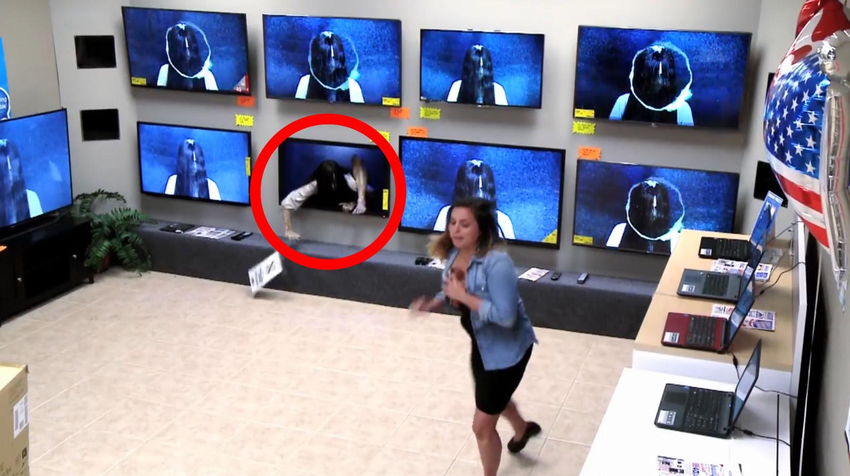 電気屋のテレビから貞子が、、映画「リング」のPRで行われたドッキリが怖すぎる