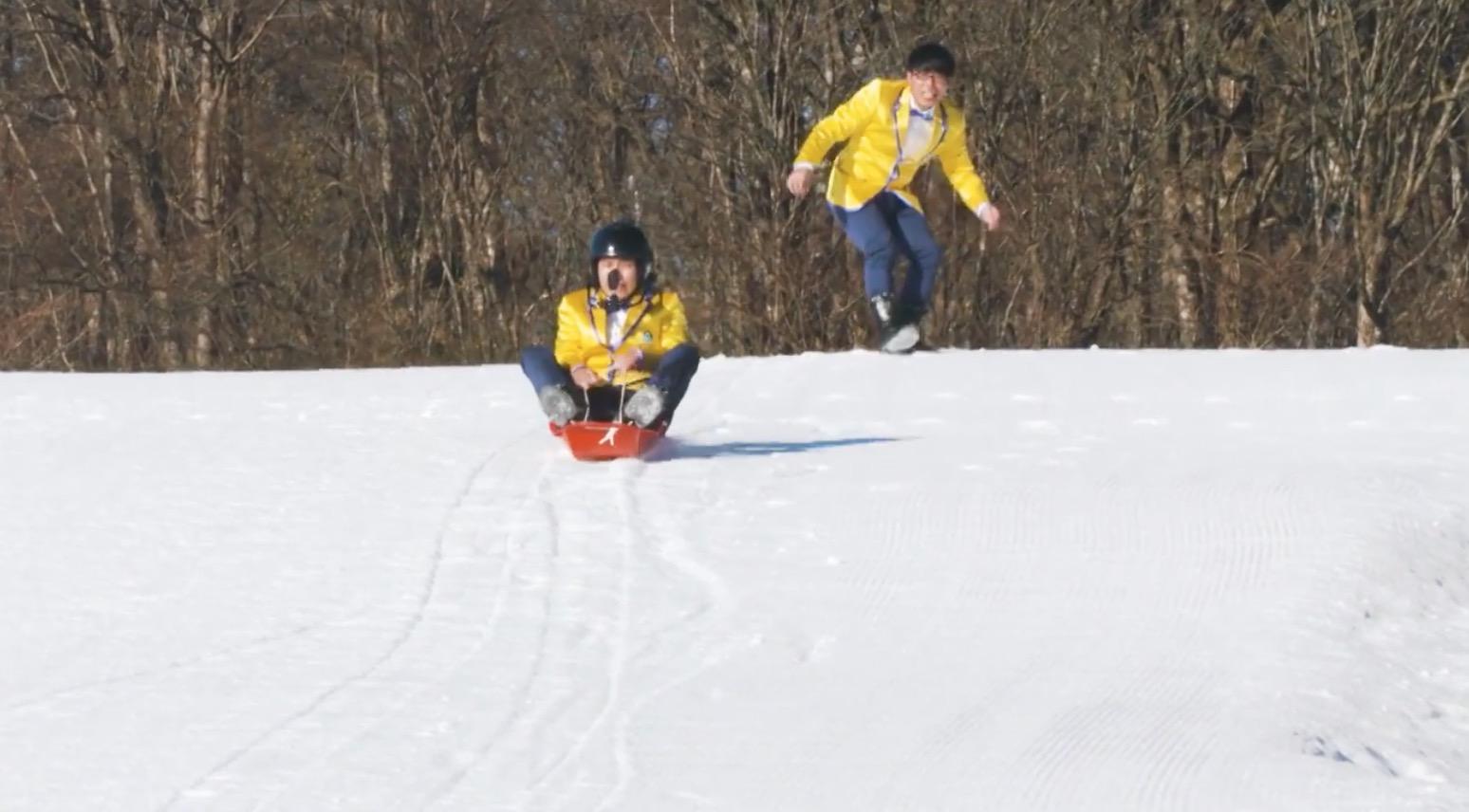 お笑い芸人「ちゅ~りっぷ」がスキー場で身体をはってリアクション芸!!