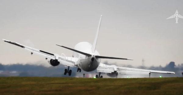 「パイロット良くやった!」体勢を崩し墜落寸前の飛行機が奇跡的リカバリー!!