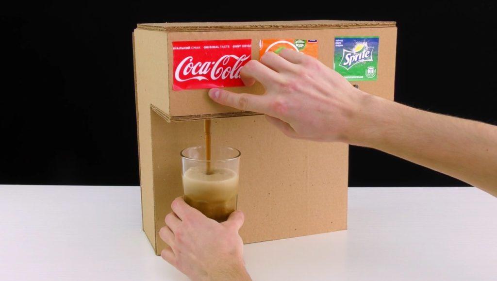 「ドリンクバー」をダンボールを使って作る方法の動画が海外で大人気に!!
