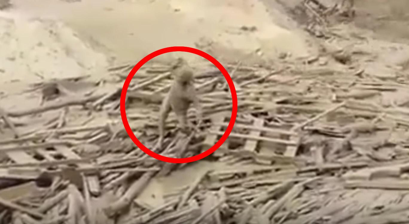 よくこの状況で、、ペルーで濁流の中から女性が奇跡の生還!!