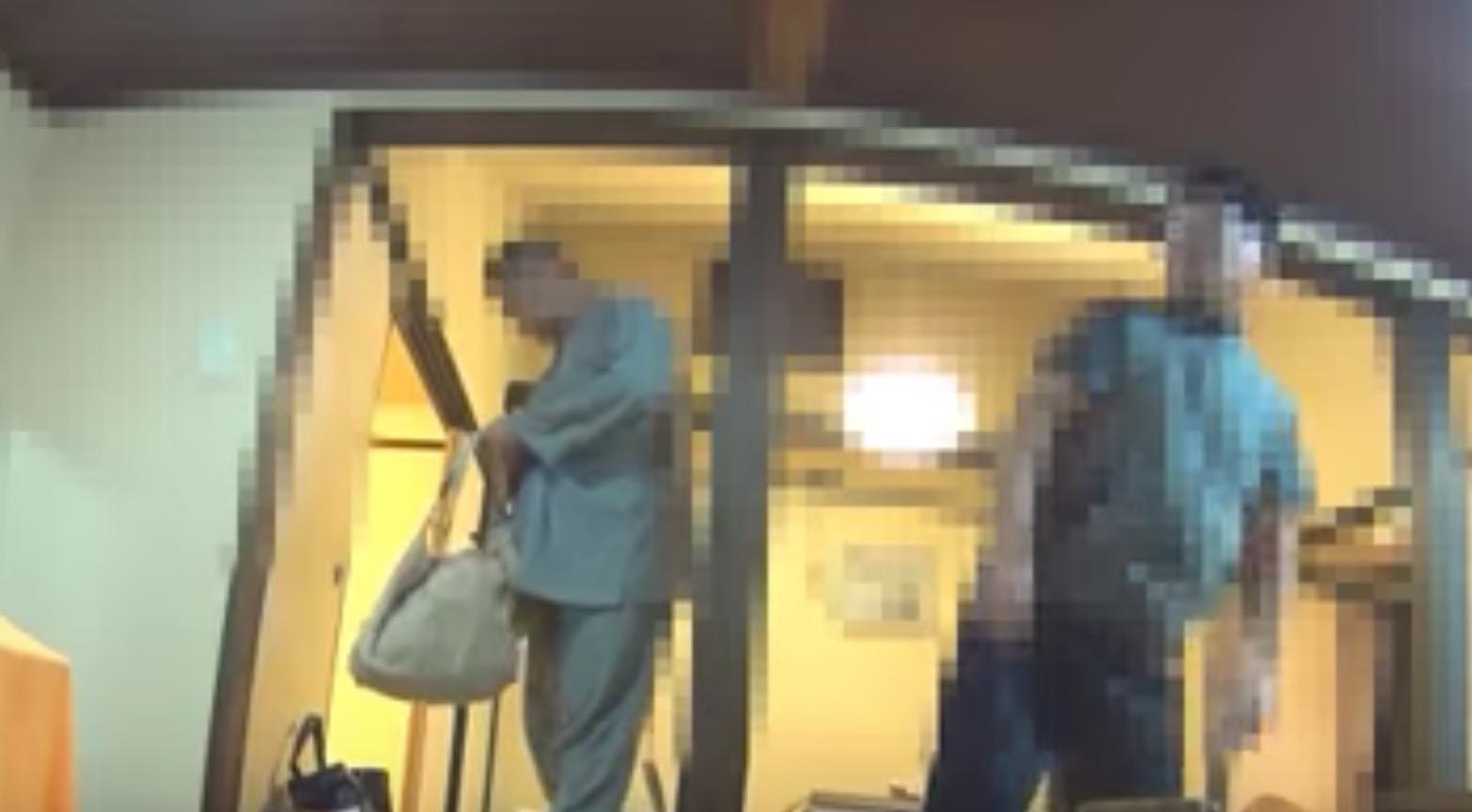 まさか日本で、、布団の準備中に旅館の従業員が客の荷物を物色するビデオが公開される