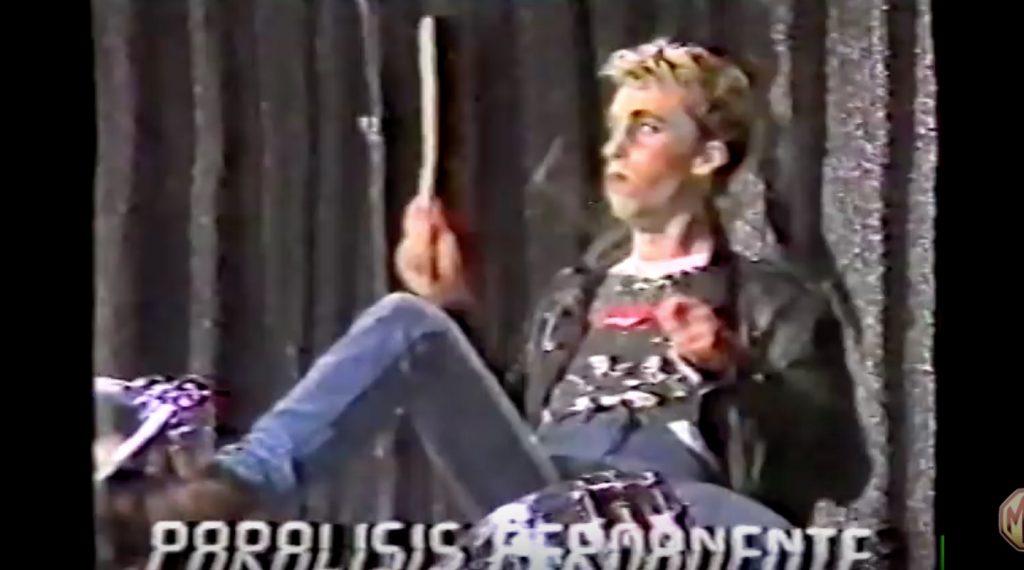 「当て振り(口パク)」のTV出演に怒って、やる気ゼロのパフォーマンスをするパンクバンド