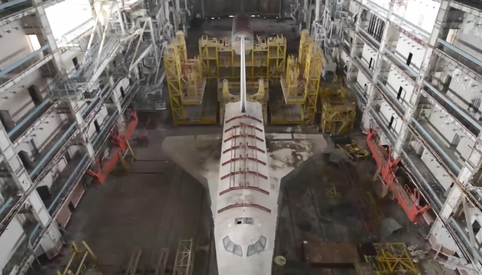 【廃墟】20年以上放置されている旧ソ連の宇宙基地内の映像。廃墟好きにはたまらない