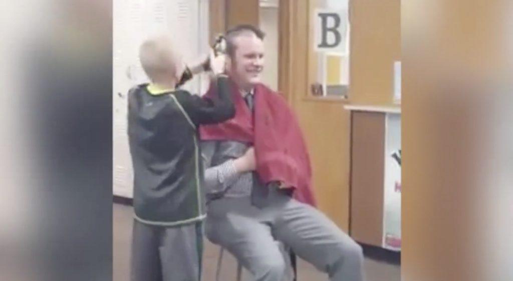 【教師の鏡】がん治療の祖父を励ますため坊主にした生徒がイジメに、、校長の素敵な行動