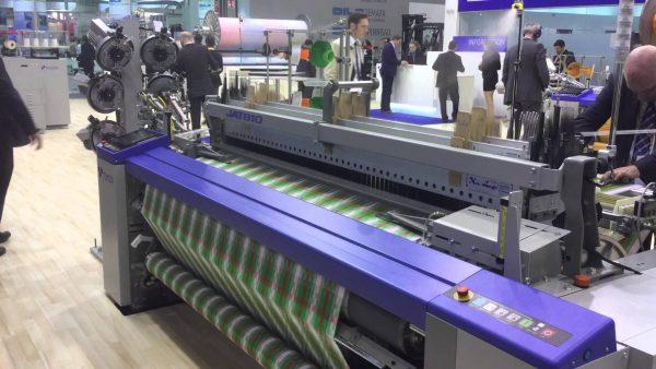 超高速で動く精密な「トヨタ」の織機がスゴい!「トヨタ」はもともと自動織機の会社だった