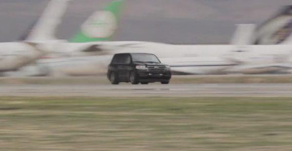 2000馬力エンジン搭載の「ランクル」で時速370kmを達成!世界最速SUVに!