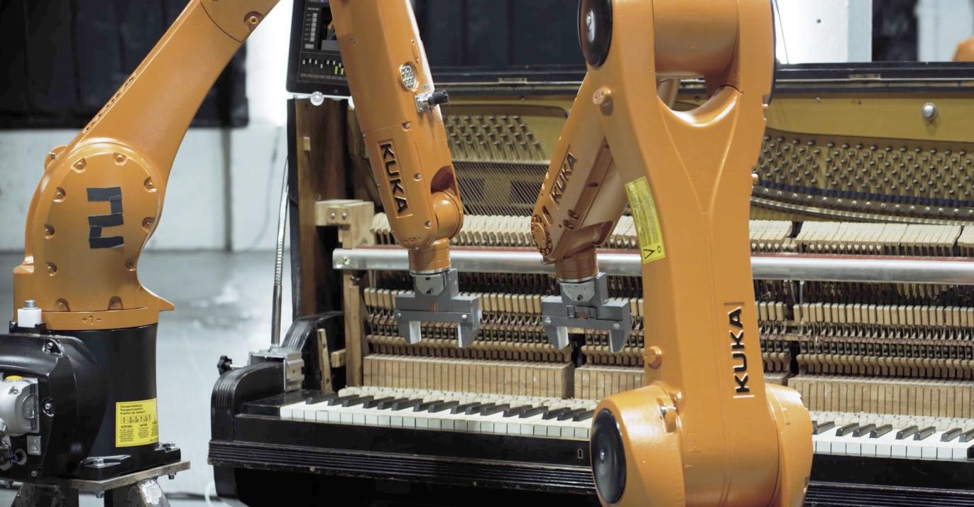 人間以上の演奏精度!工業用ロボットアームにバンド演奏させる動画が凄い!