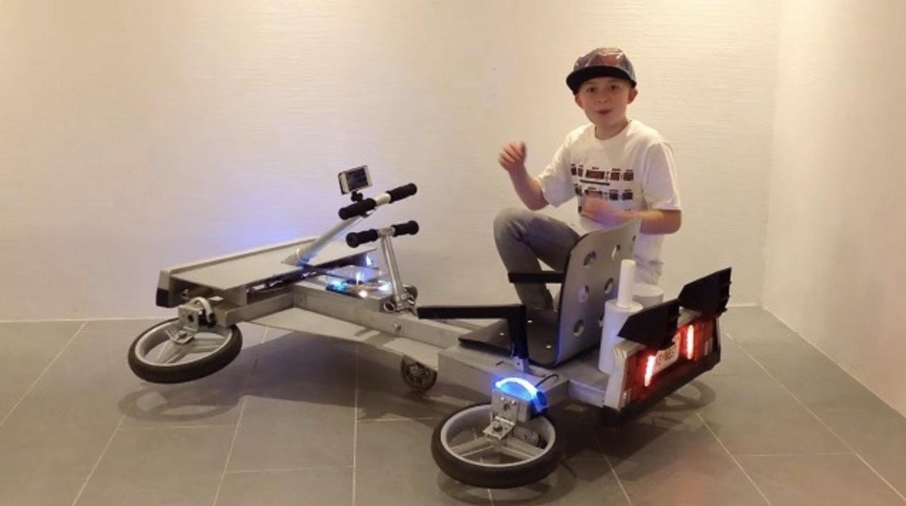 「デロリアン」の動きを自作木製ゴーカートで再現した少年が凄い!将来は有望なエンジニア?!