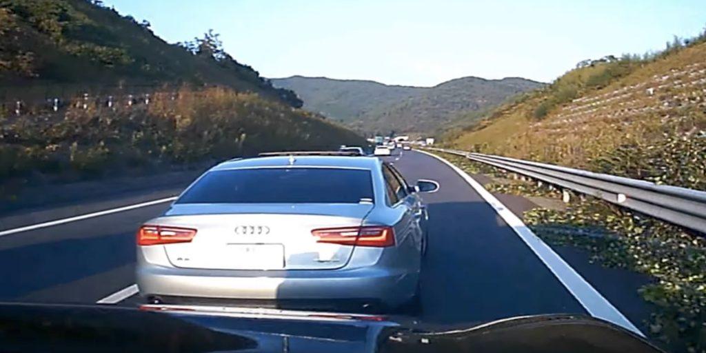 【危険運転】ここまでやるか。。高速走行中に急ブレーキで進路妨害する車