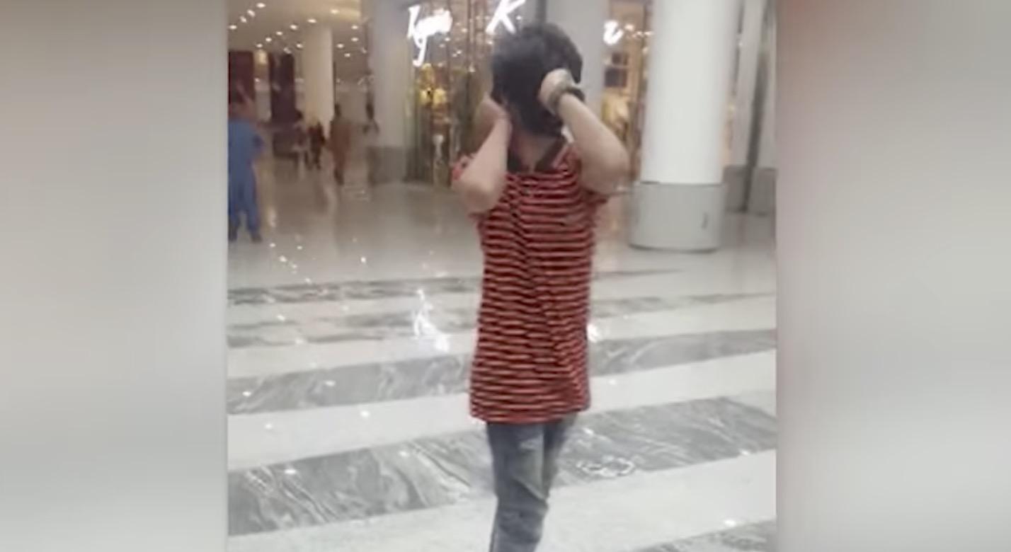 パキスタンの「頭を180度回転」できる少年が話題に!!