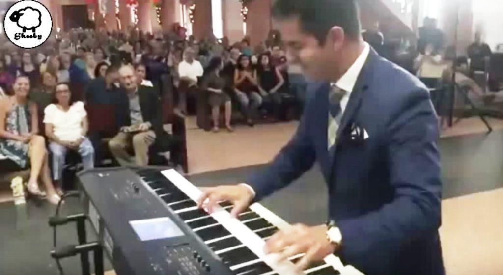 結婚式に花嫁が遅れるも、花婿の超絶演奏で拍手喝采!会場大盛り上がりに!