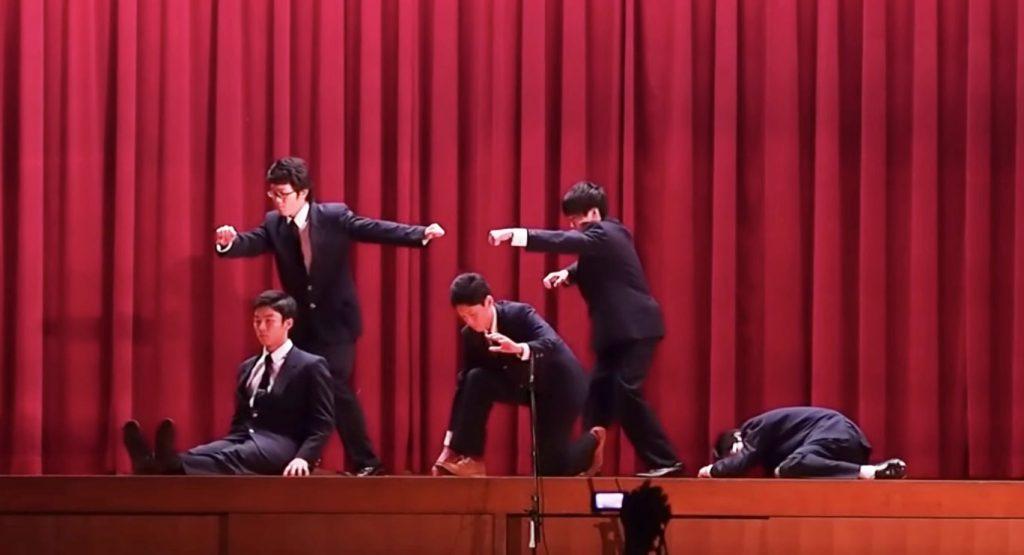「文化祭のクオリティじゃない!」高校生が披露した「WORLD ORDER」の完コピダンスが凄い!