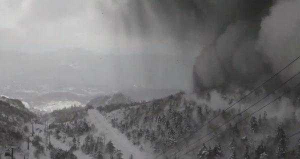 【速報】草津白根山が噴火!スキー場で、噴石や雪崩により多数の怪我人【ライブカメラ映像あり】