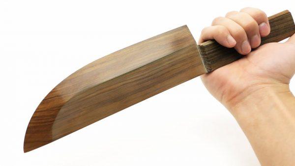 切れ味にびっくり!世界一硬い木材で世界一切れる「木製の包丁」を作ってみた!