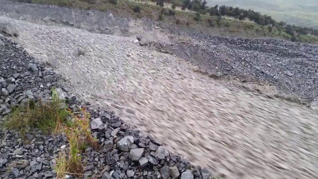 ニュージーランドに出現した「石の川」に自然の神秘を感じずにはいられない!