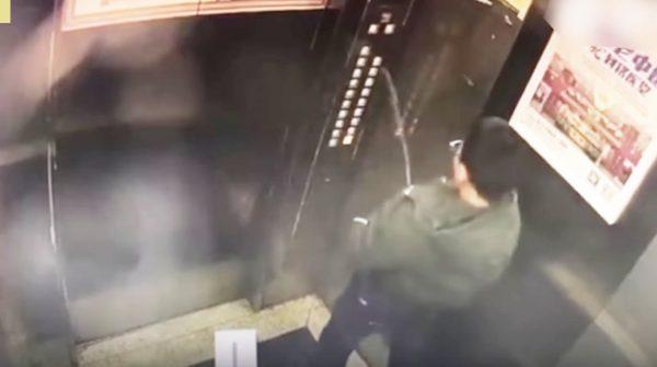 自業自得。。エレベーターの操作ボタンにイタズラで放尿した少年にバチが当たる
