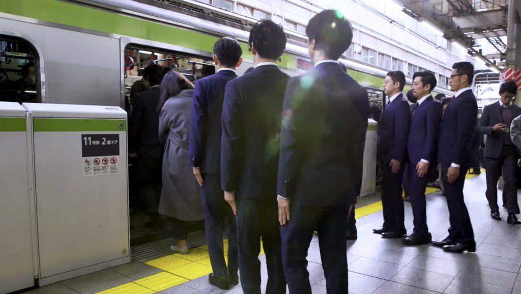 須藤元気さん率いるスーツのダンス集団「WORLD ORDER」の新作が公開!世界から称賛の声